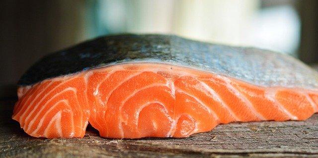 ロシアで生魚を食べて食中毒になった話
